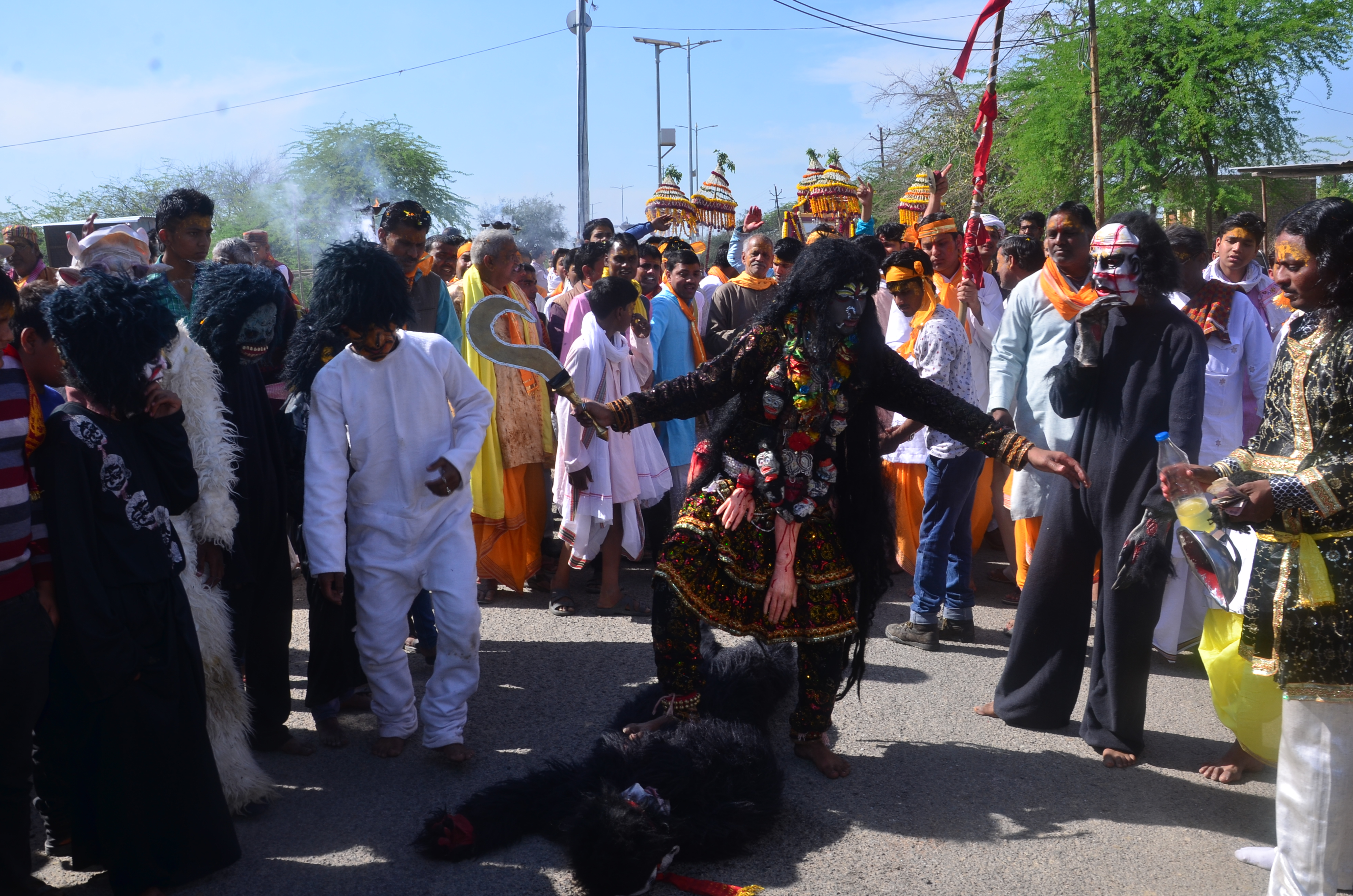 Folk artists from Kashi performing with the Shobha Yatra